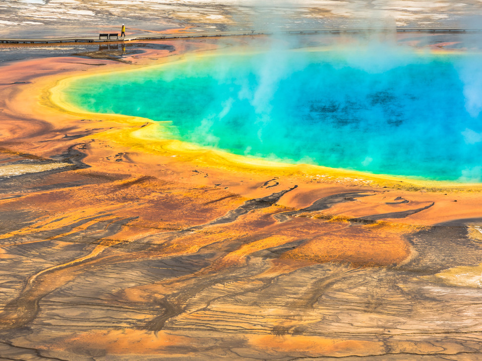The rainbow colours of Grand Prismatic Spring, Yellowstone