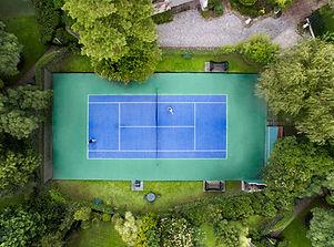 Aulas de tenis em academia