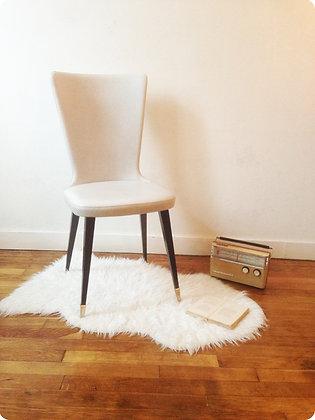 """Chaise fuselée """"Carcans"""""""