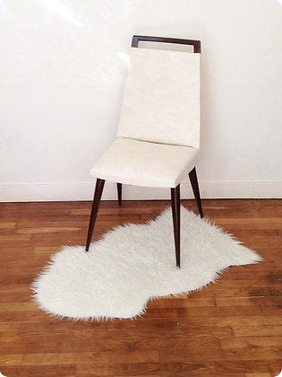 """Chaise en skaï blanc """"Le Pirée """""""