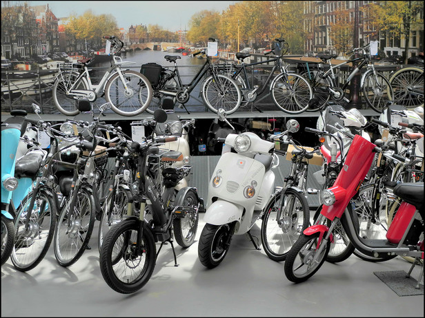 2011-06 Motorized Bike Store (Amsterdam)