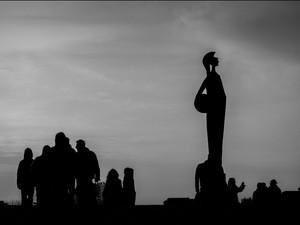 2014-03 Statue lamps (Amtwerp) BW.jpg