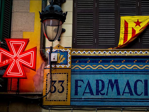 2013-11 Farmacia (Barcelona).jpg