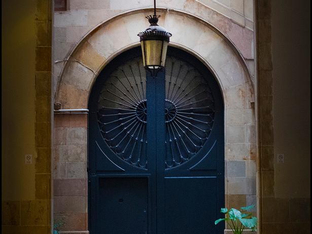 2016-06 Arched Doors (Barcelona).jpg
