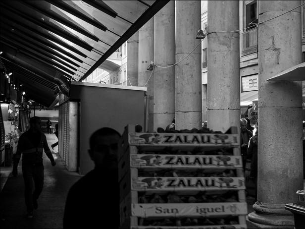 2013-11 Market with Pillars (Barcelona)