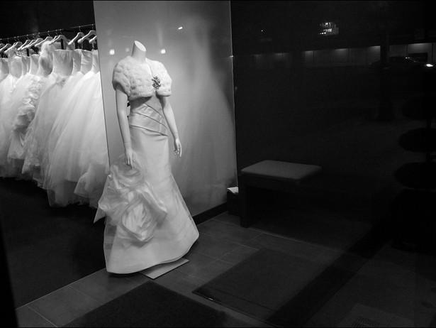 2014-11 Bridal Gowns (Toronto) BW.jpg