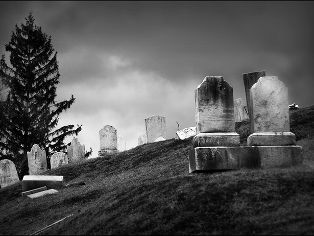 2016-02 Williamstown Graves BW.jpg