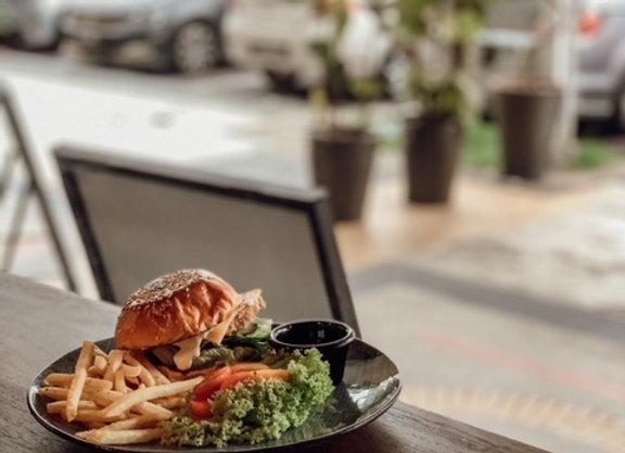 LIFE Signature Burger 招牌汉堡