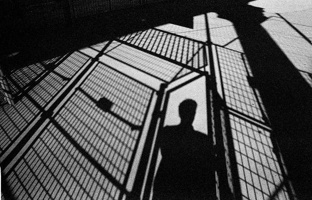 """Resenha: """"A Melodia Feroz"""" (Monstros da Violência vol. 1) de V.E. Schwab"""