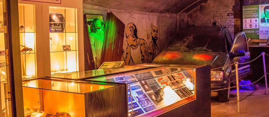 """Resenha: """"Museu do Crime"""" de Tito Prates"""