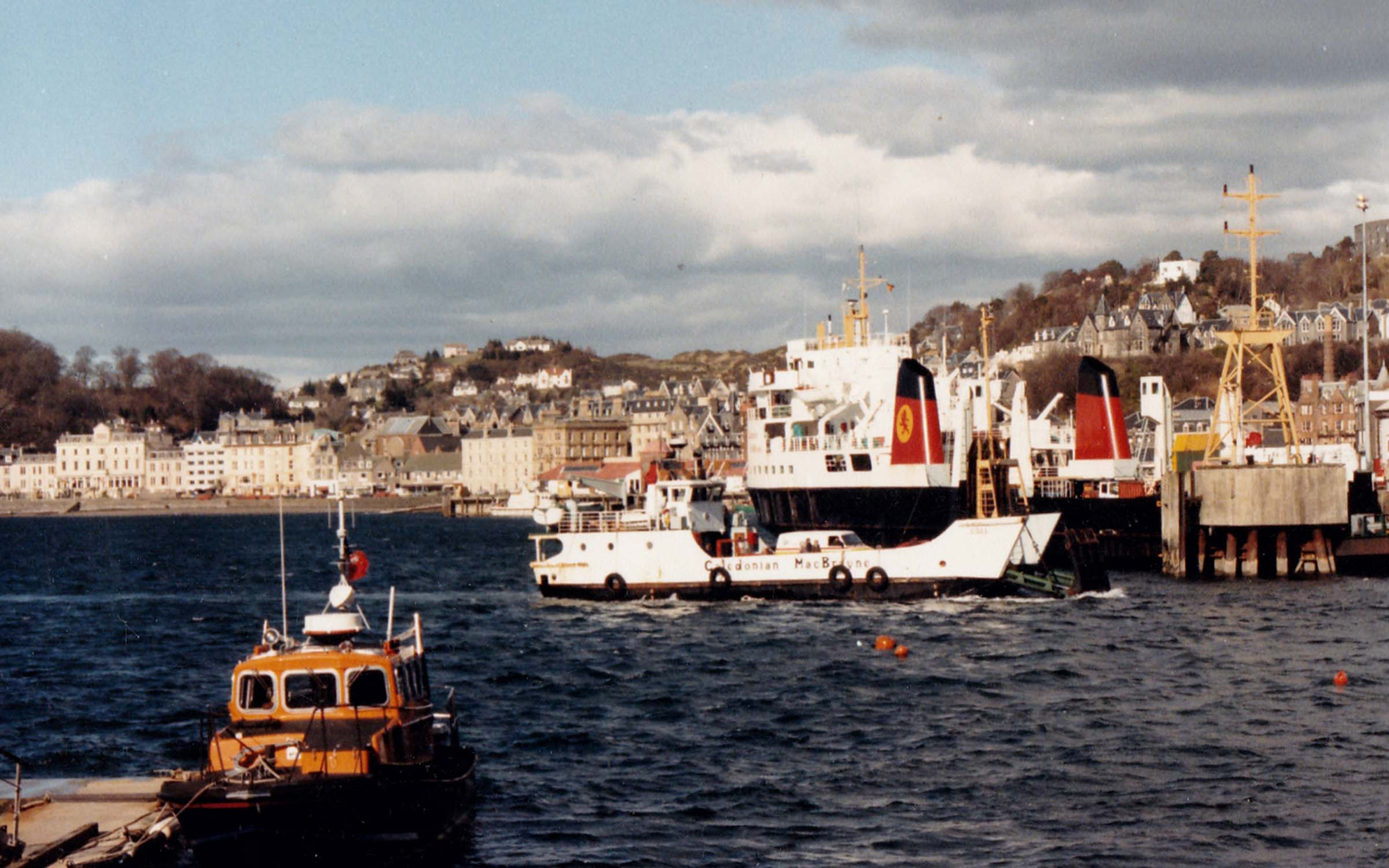 Coll and Claymore at Oban (Jim Aikman Smith)