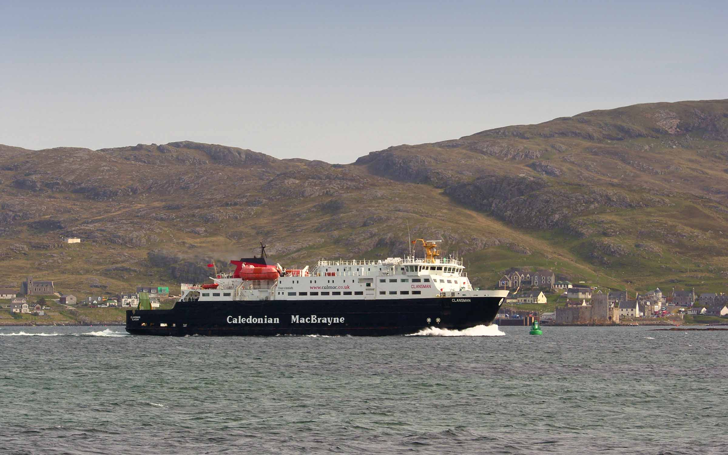 Clansman leaving Barra (Ships of CalMac)