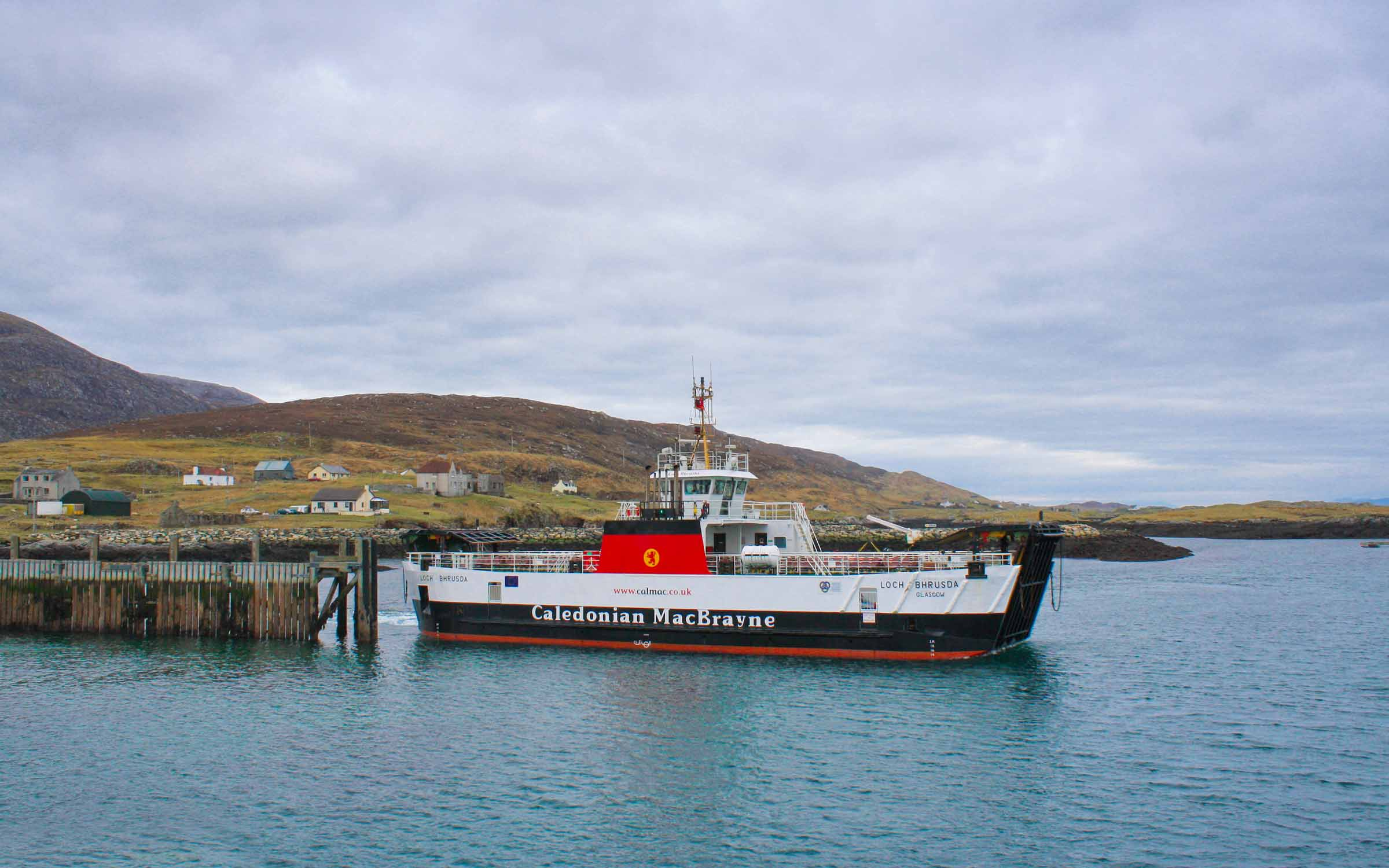 Loch Bhrusda leaving Leverburgh (Ships of CalMac)