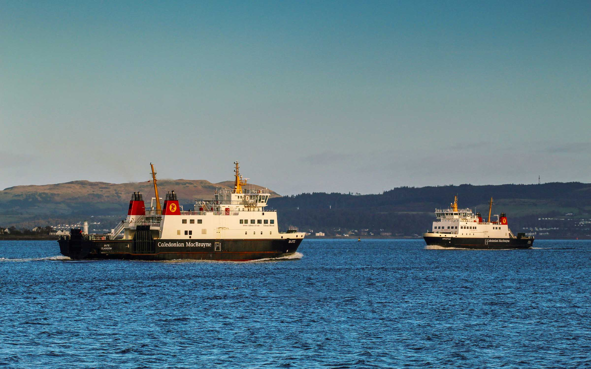 Bute and Argyle passing off Craigmore (Ships of CalMac)