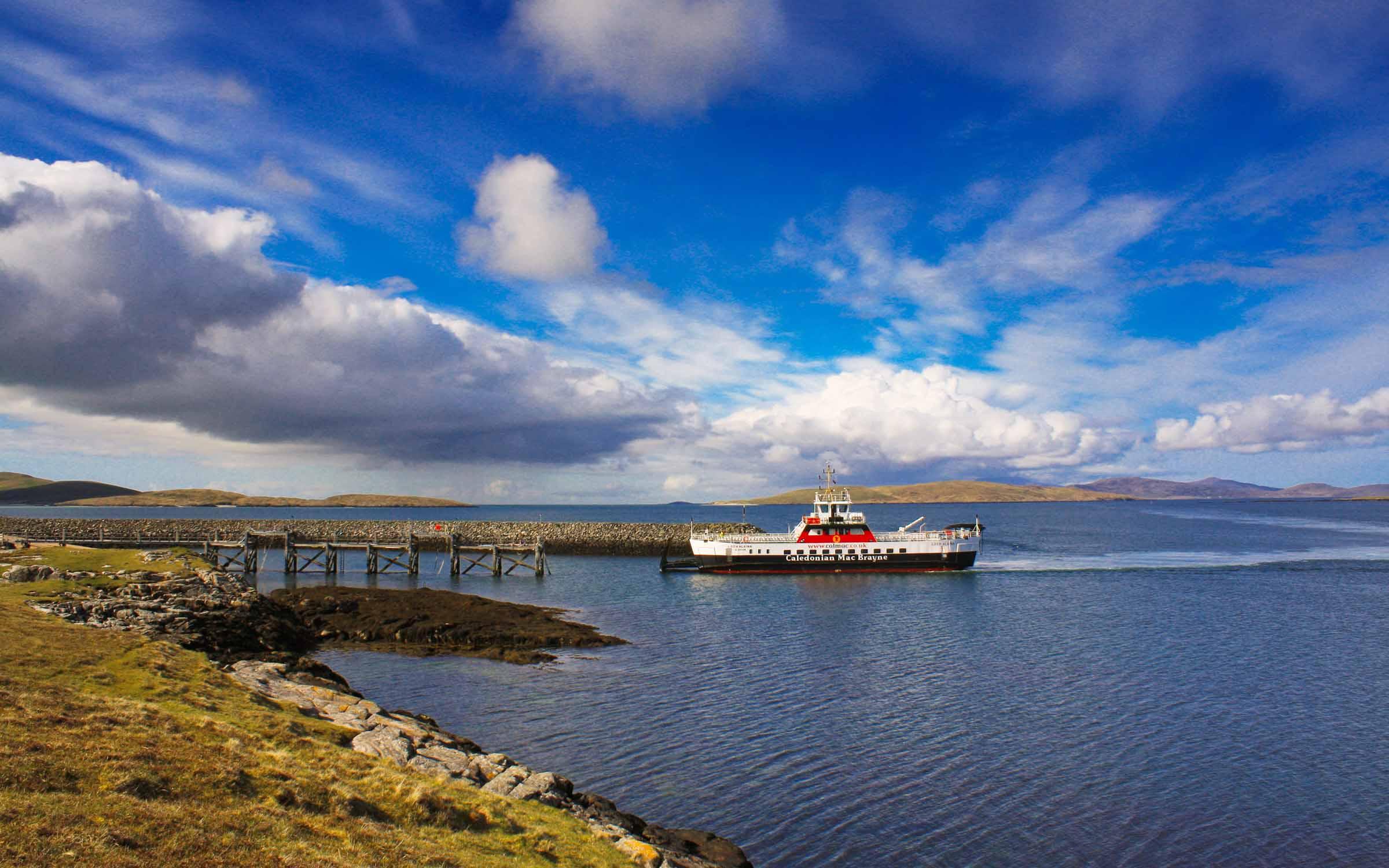 Loch Alainn arriving at Ardmhor (Ships of CalMac)