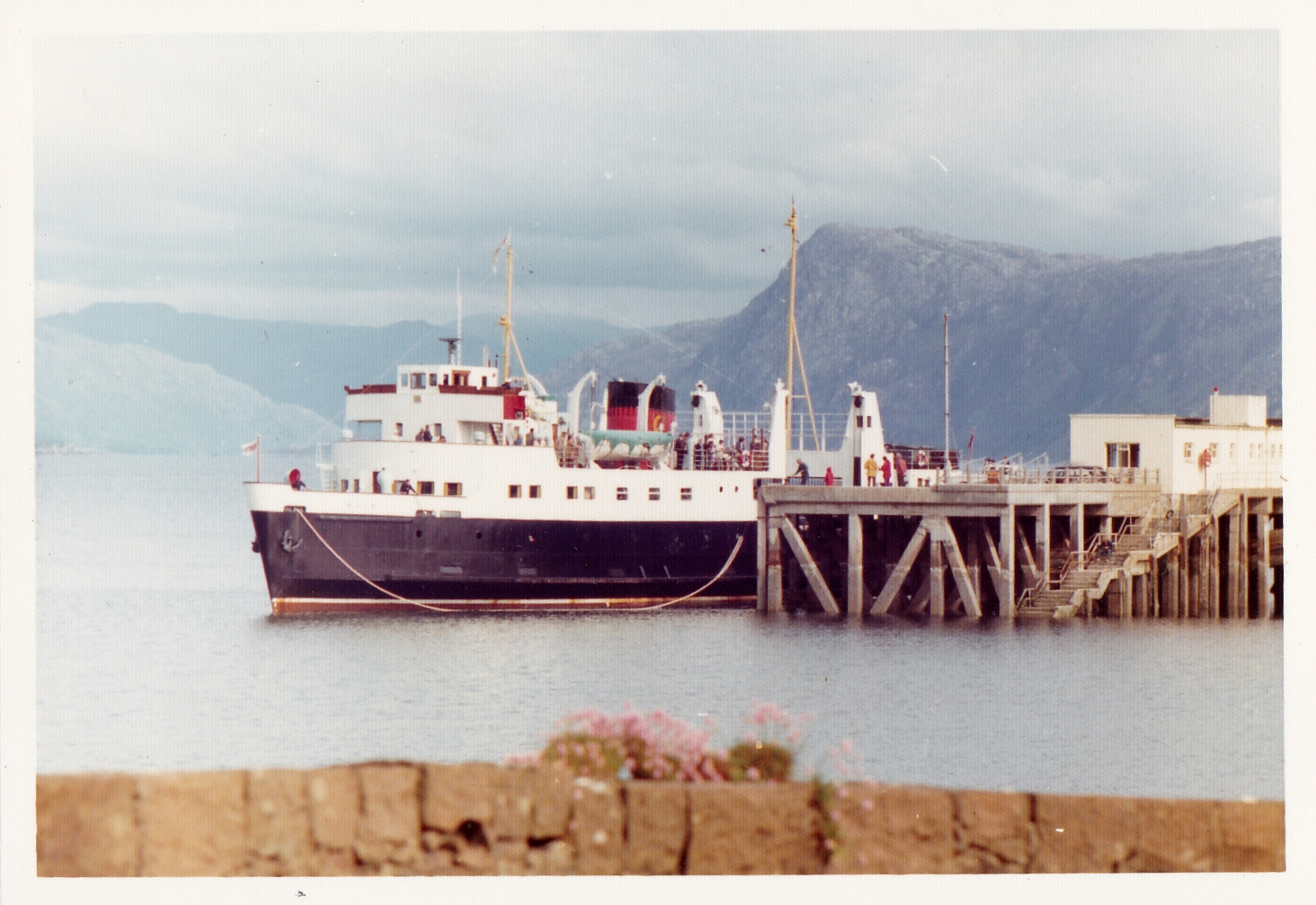 Bute loading at Armadale (Jim Aikman Smith)