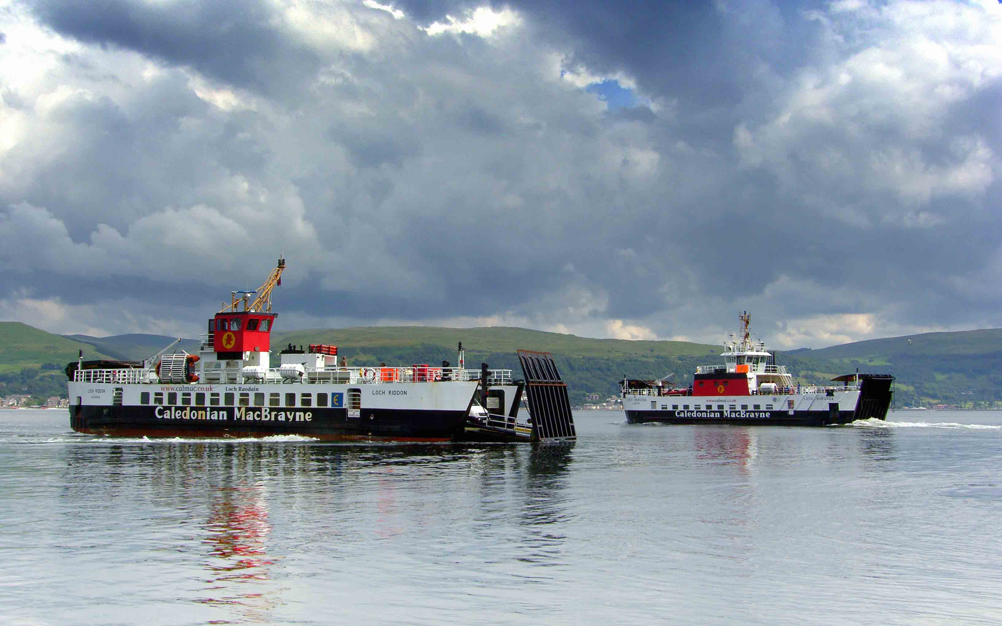 Loch Riddon and Loch Bhrusda off Cumbrae Slip (Ships of CalMac)