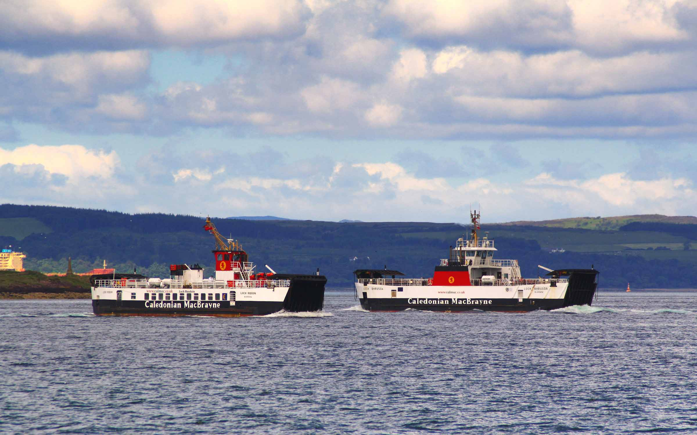 Loch Riddon passing Loch Alainn off Largs (Ships of CalMac)