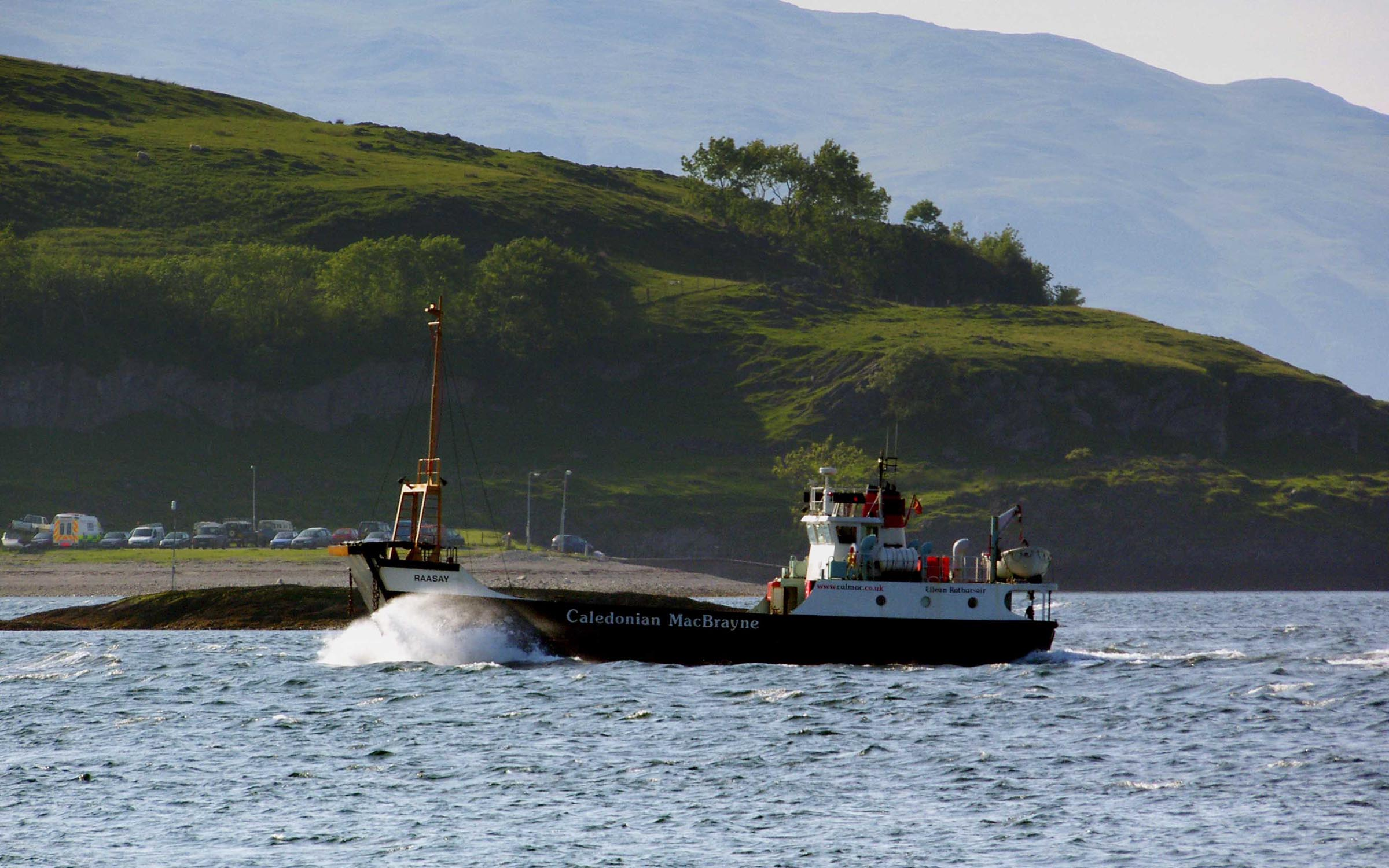 Raasay passing Port Appin (Ships of CalMac)