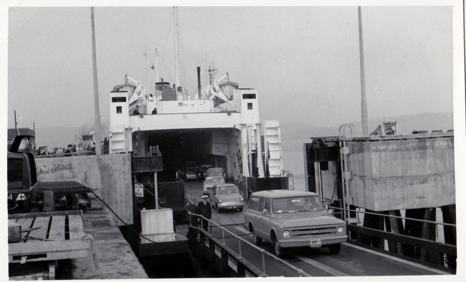 Iona unloading at Gourock (Jim Aikman Smith)