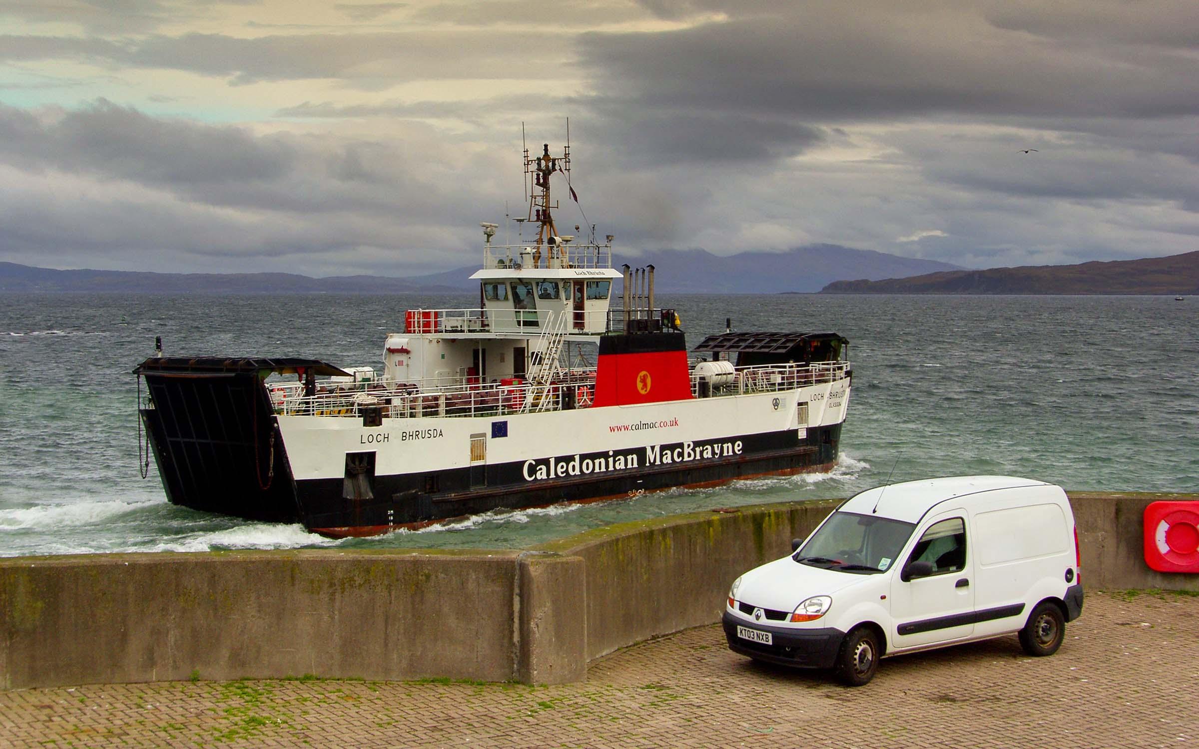 Loch Bhrusda leaving Mallaig (Ships of CalMac)