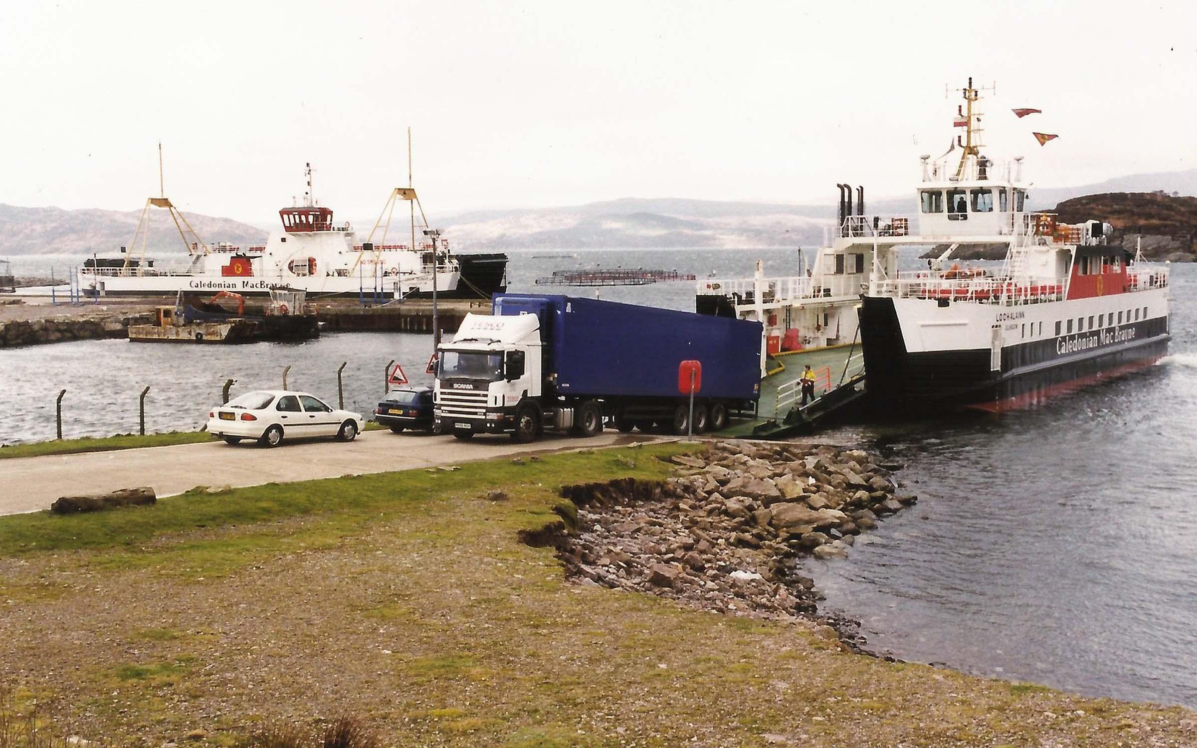 Loch Alainn relieving at Portavadie (Iain McPherson)