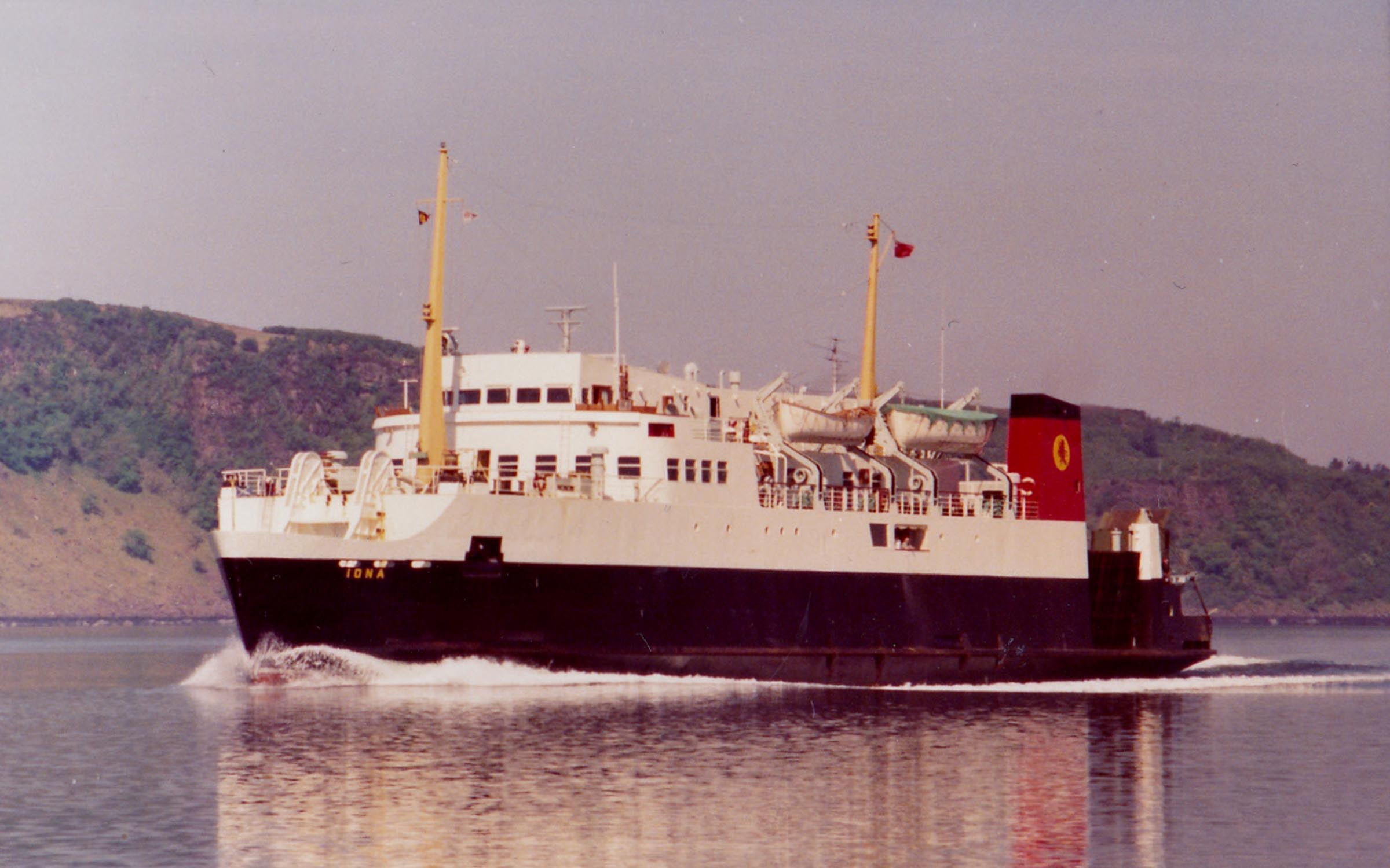 Iona in the Sound of Mull (Jim AIkman Smith)