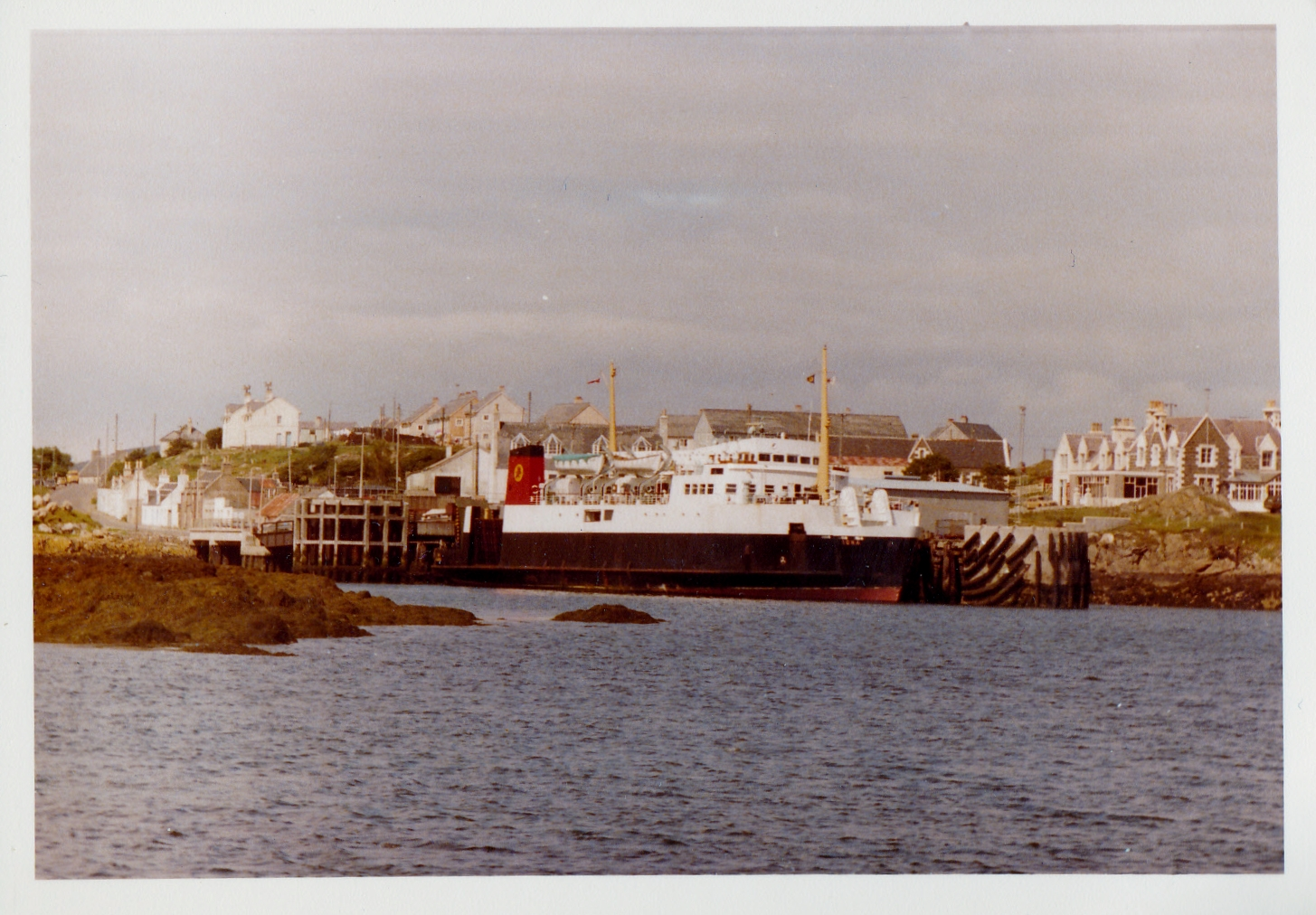 Iona at Lochboisdale (Jim Aikman Smith)