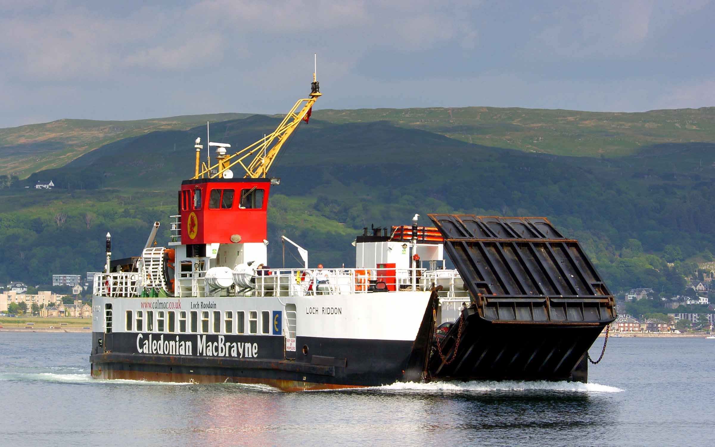 Loch Riddon arriving at Cumbrae Slip (Ships of CalMac)