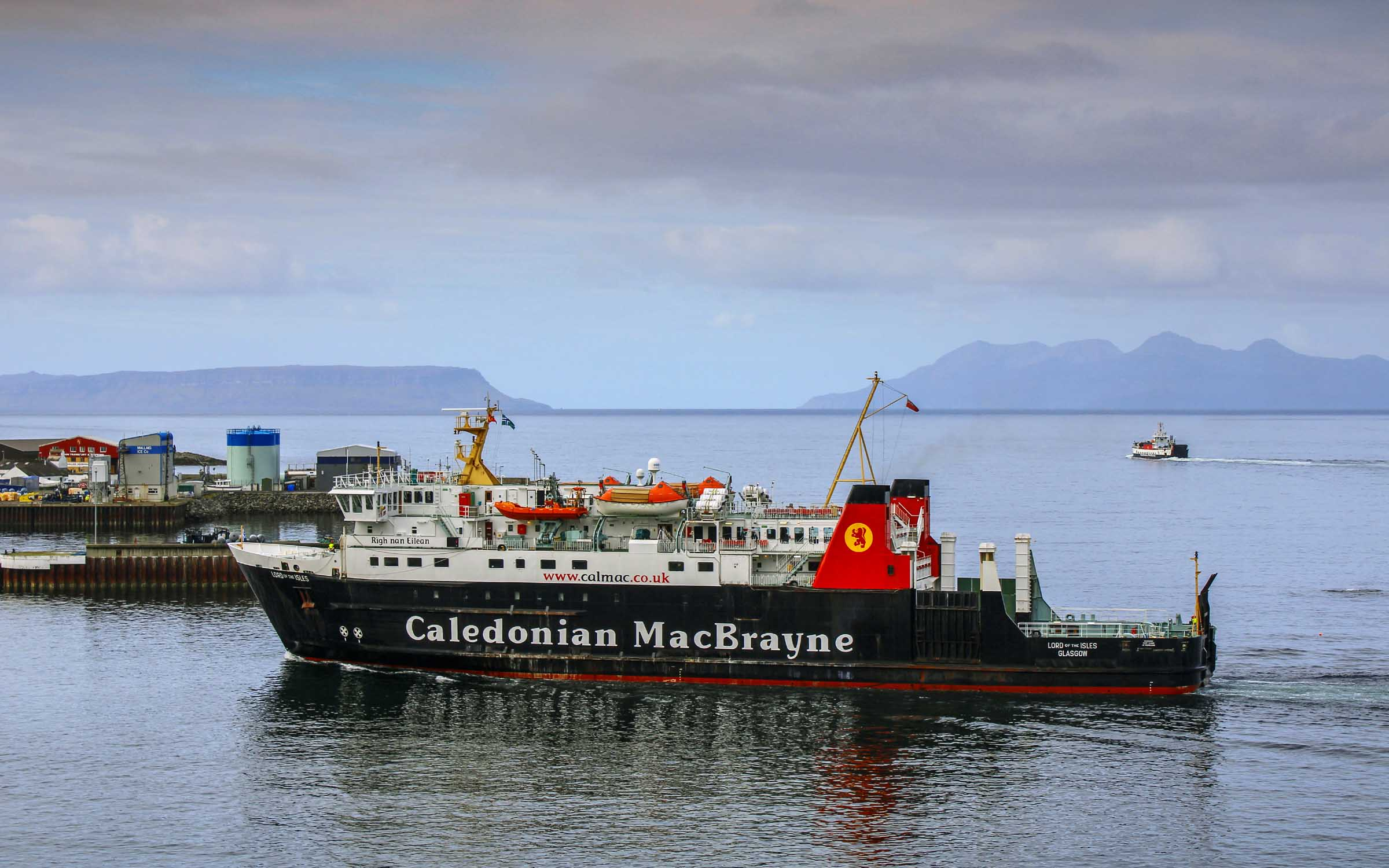 Lord of the Isles arriving at Mallaig (Ships of CalMac)