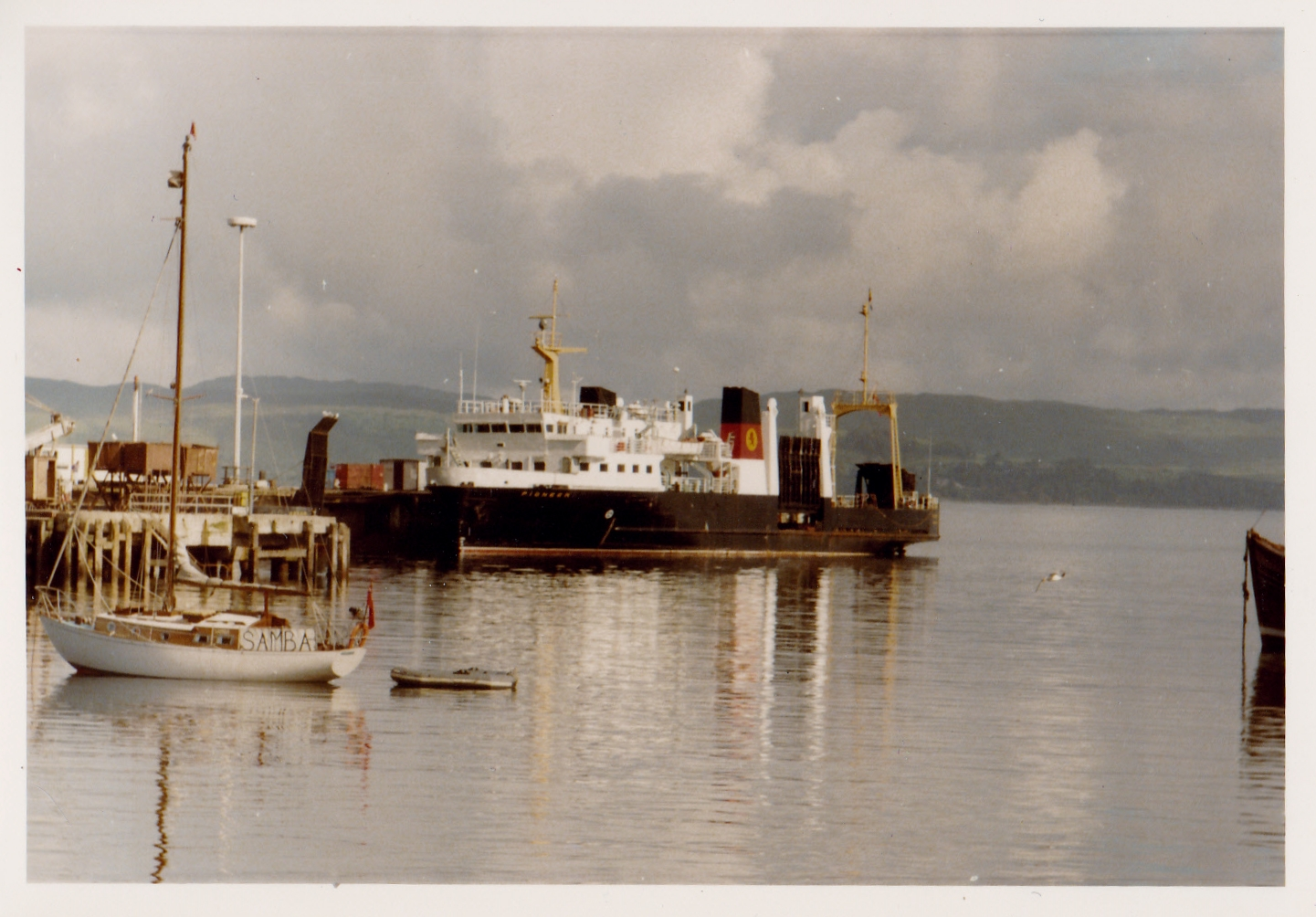 Pioneer and Arran at Mallaig (Jim AIkman Smith)