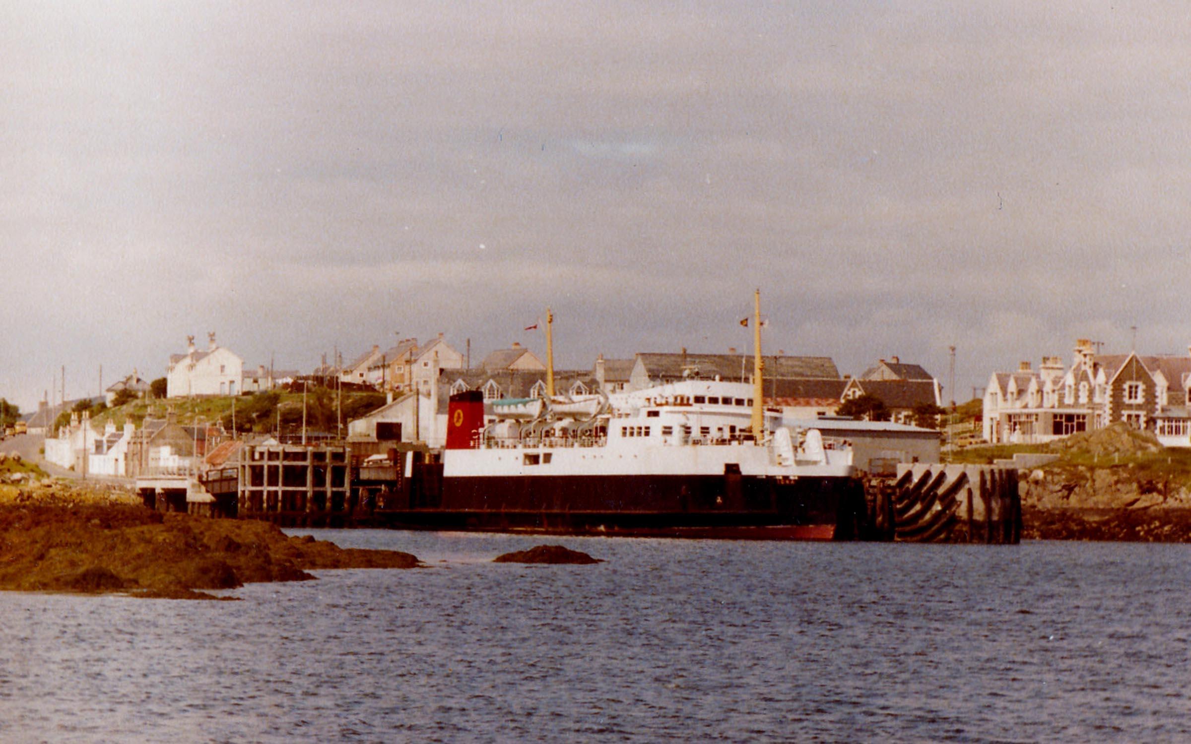 Iona at Lochboisdale (Jim AIkman Smith)