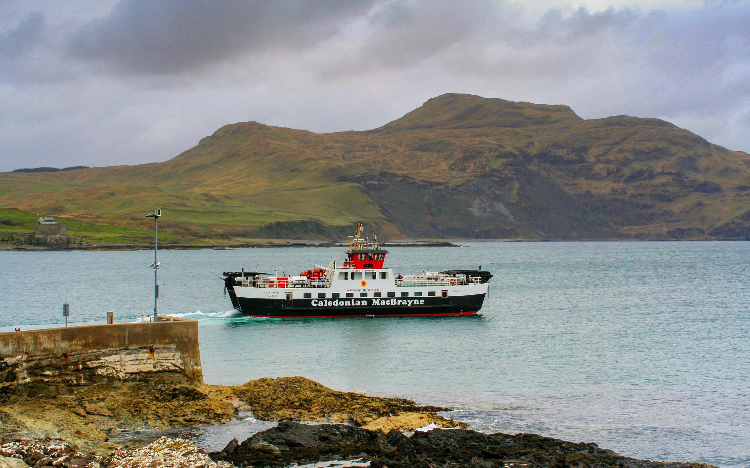 Loch Tarbert leaving Kilchoan (Ships of CalMac)