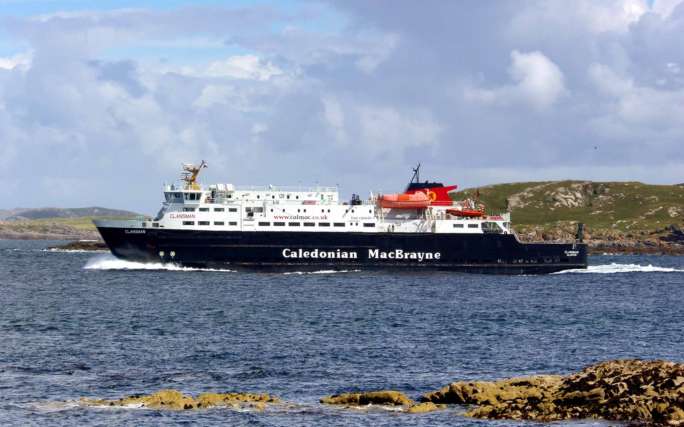 Clansman passing through the Gunna Sound (Ships of CalMac)