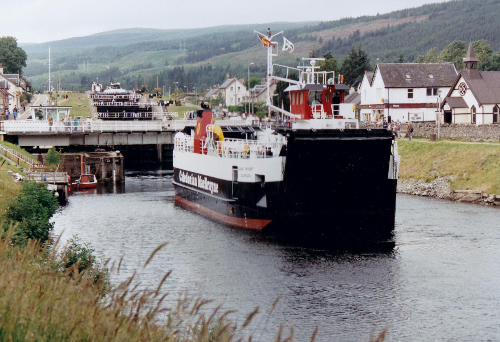 Loch Tarbert at Fort Augustus (Jim Aikman Smith)