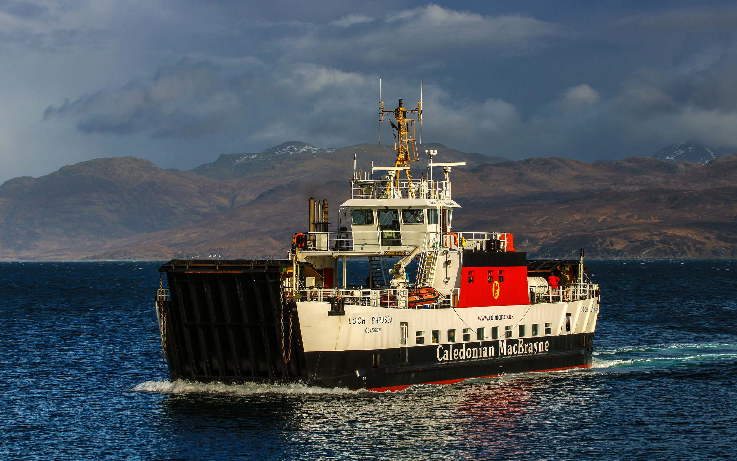 Loch Bhrusda approaching Armadale (Ships of CalMac)