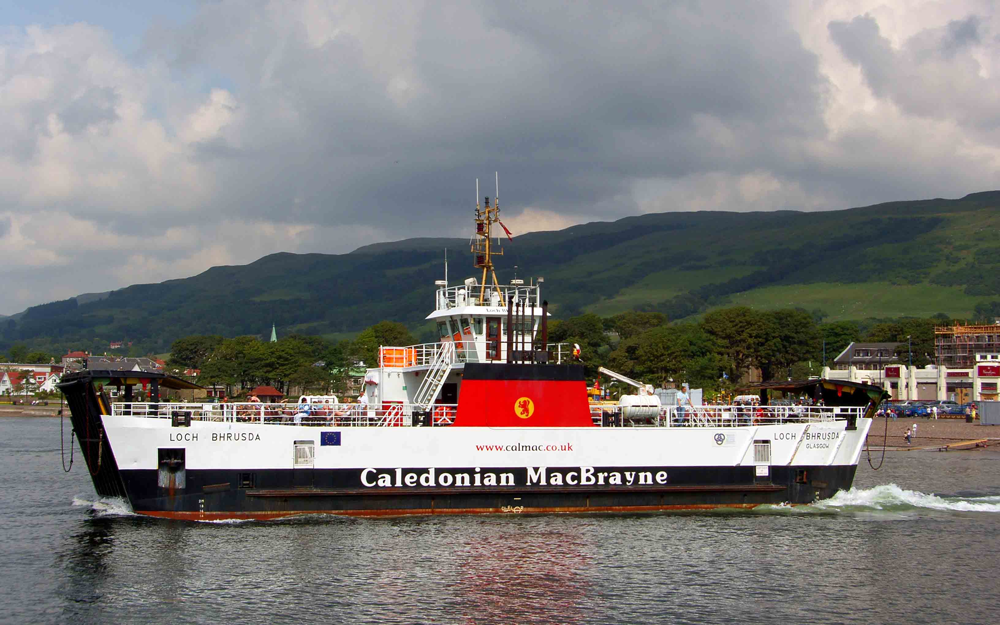Loch Bhrusda leaving Largs (Ships of CalMac)
