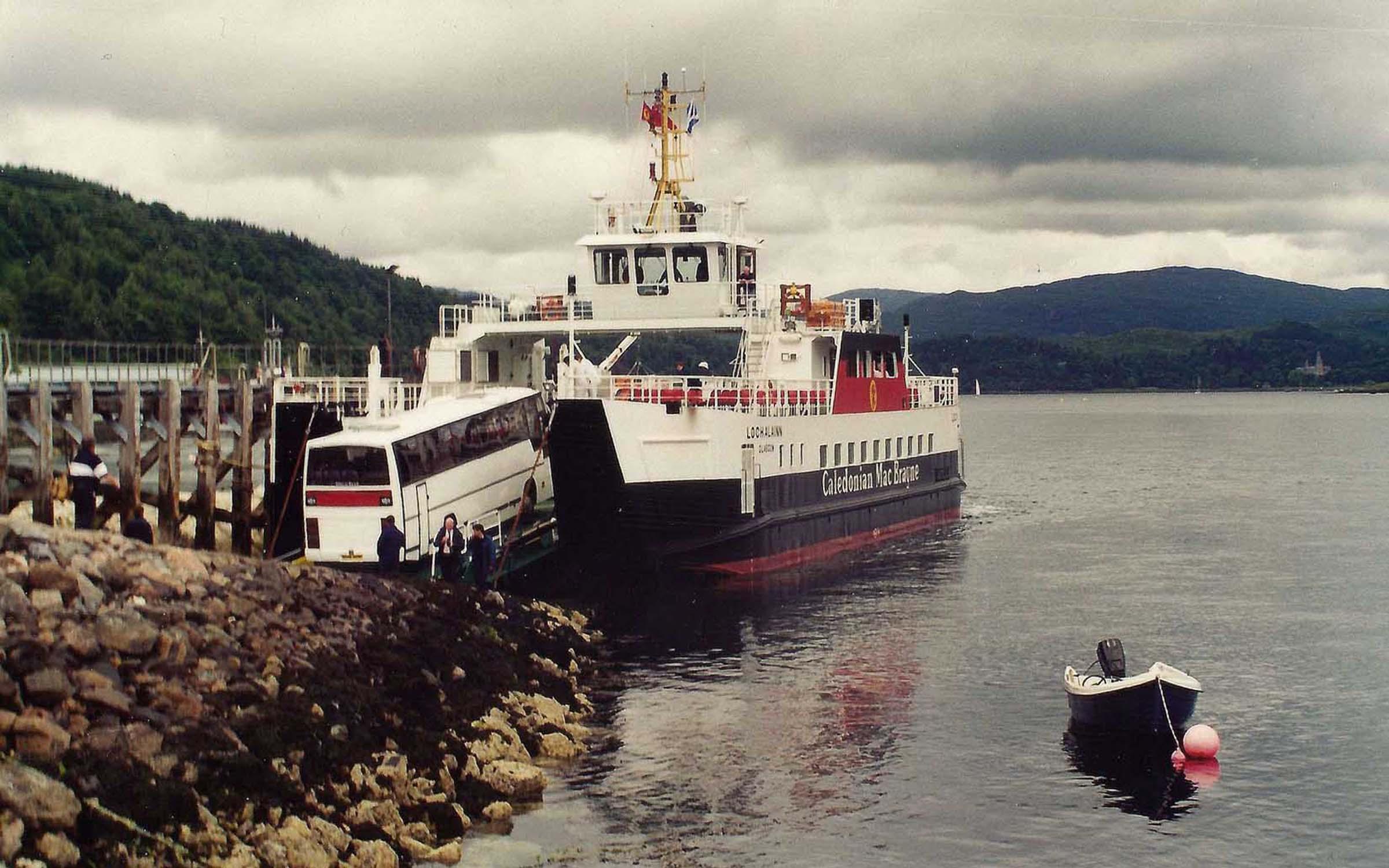 Loch Alainn loading at Lochaline (Iain McPherson)