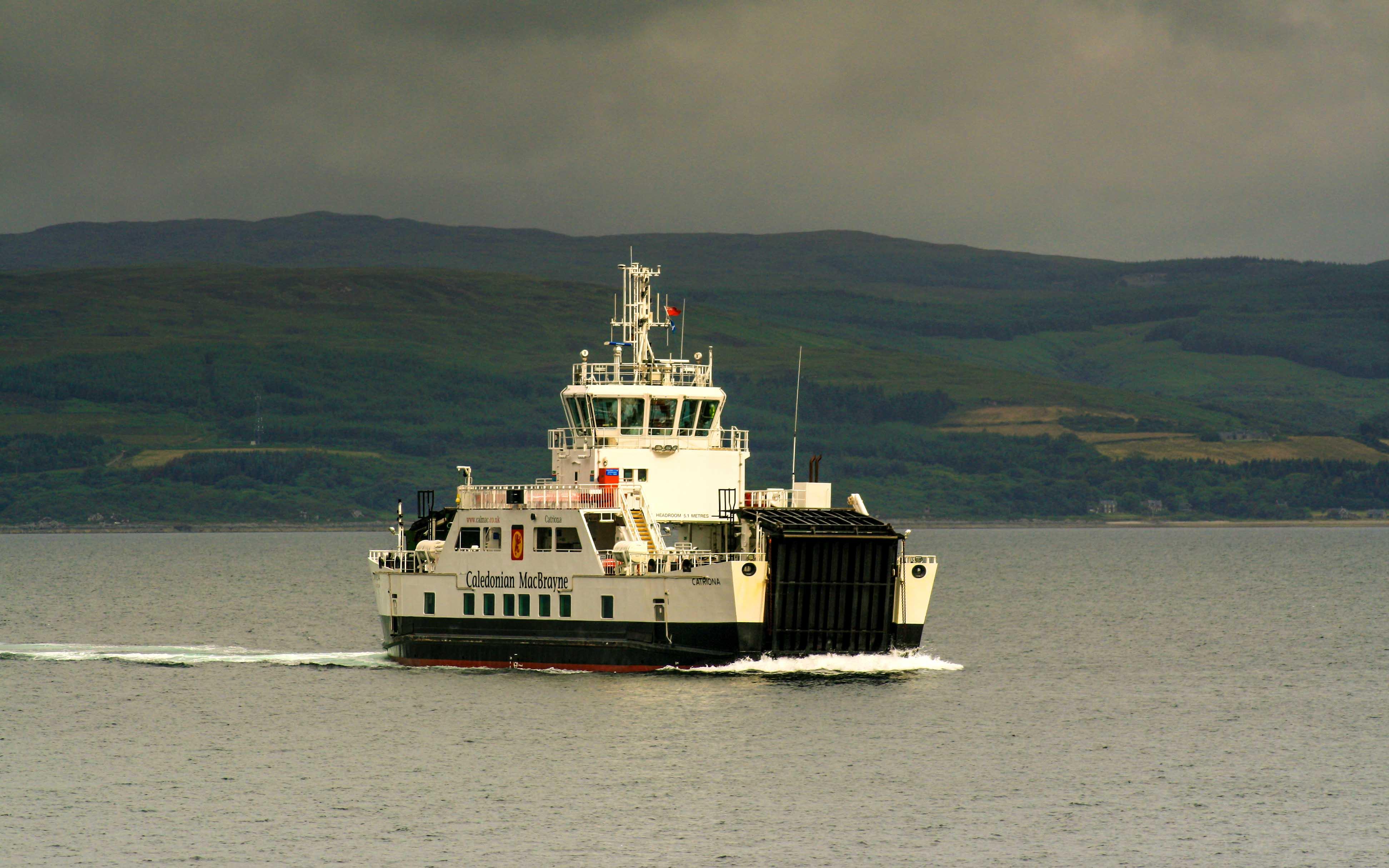 Catriona approaching Lochranza (Ships of CalMac)