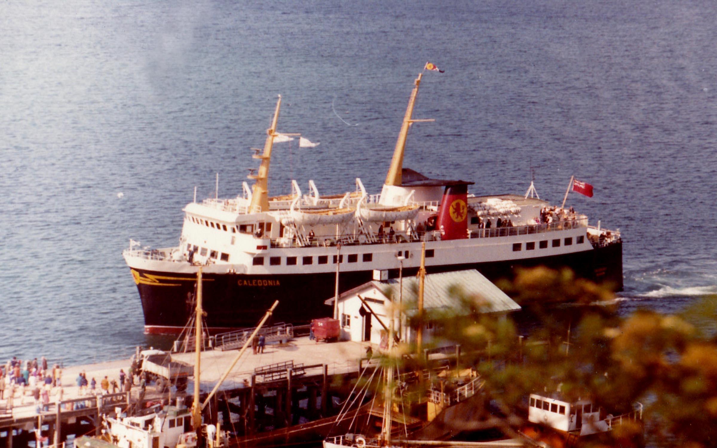 Caledonia arriving at Craignure (Jim Aikman Smith)