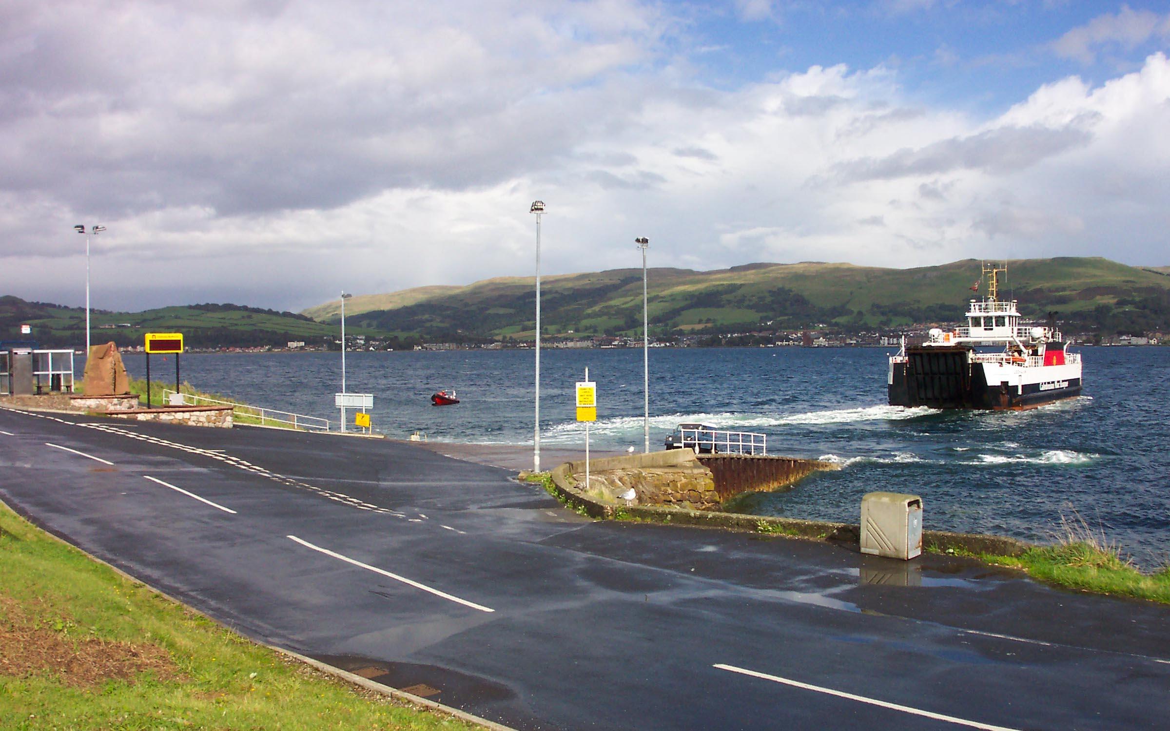 Loch Alainn leaving Cumbrae (Ships of CalMac)