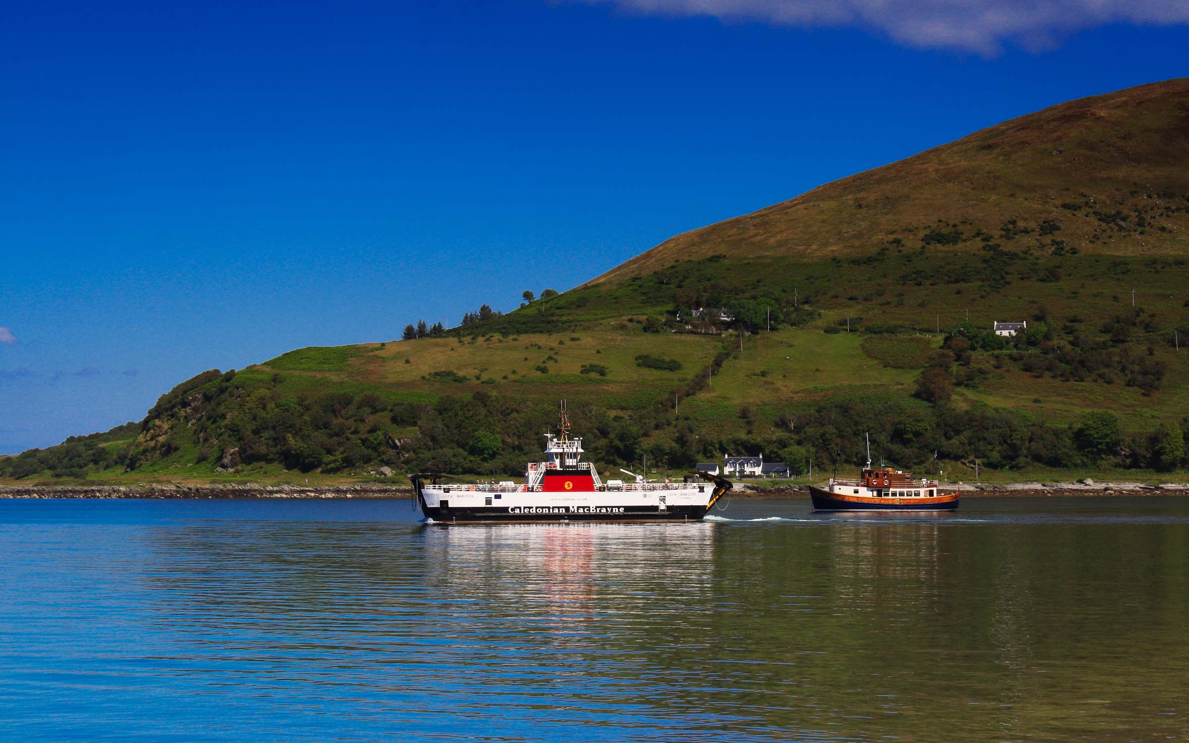 Loch Bhrusda leaving Lochranza on relief (Ships of CalMac)