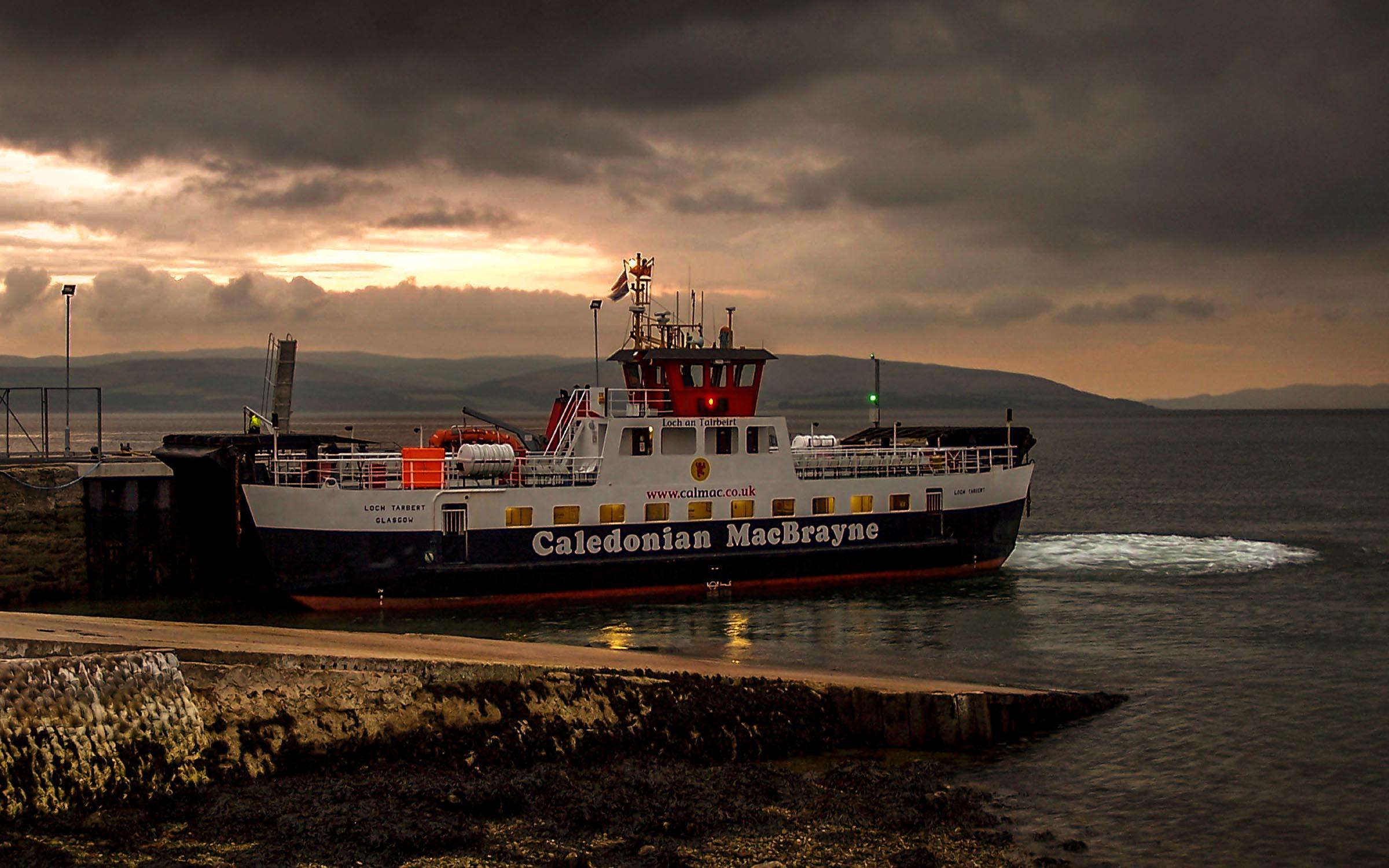 Loch Tarbert alongside Lochranza pier (Ships of CalMac)
