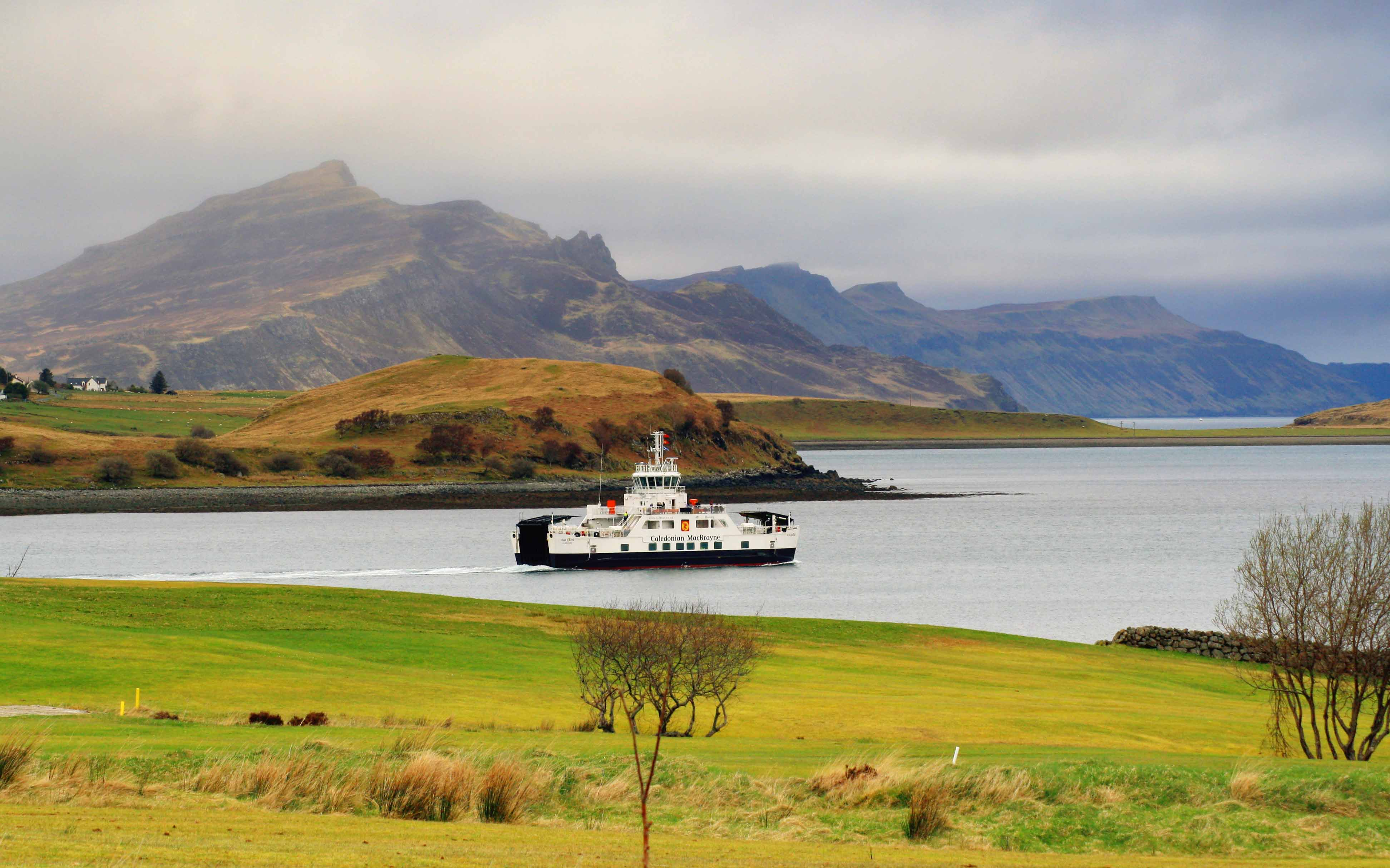 Hallaig leaving Loch Sligachan, bound for Raasay (Ships of CalMac)