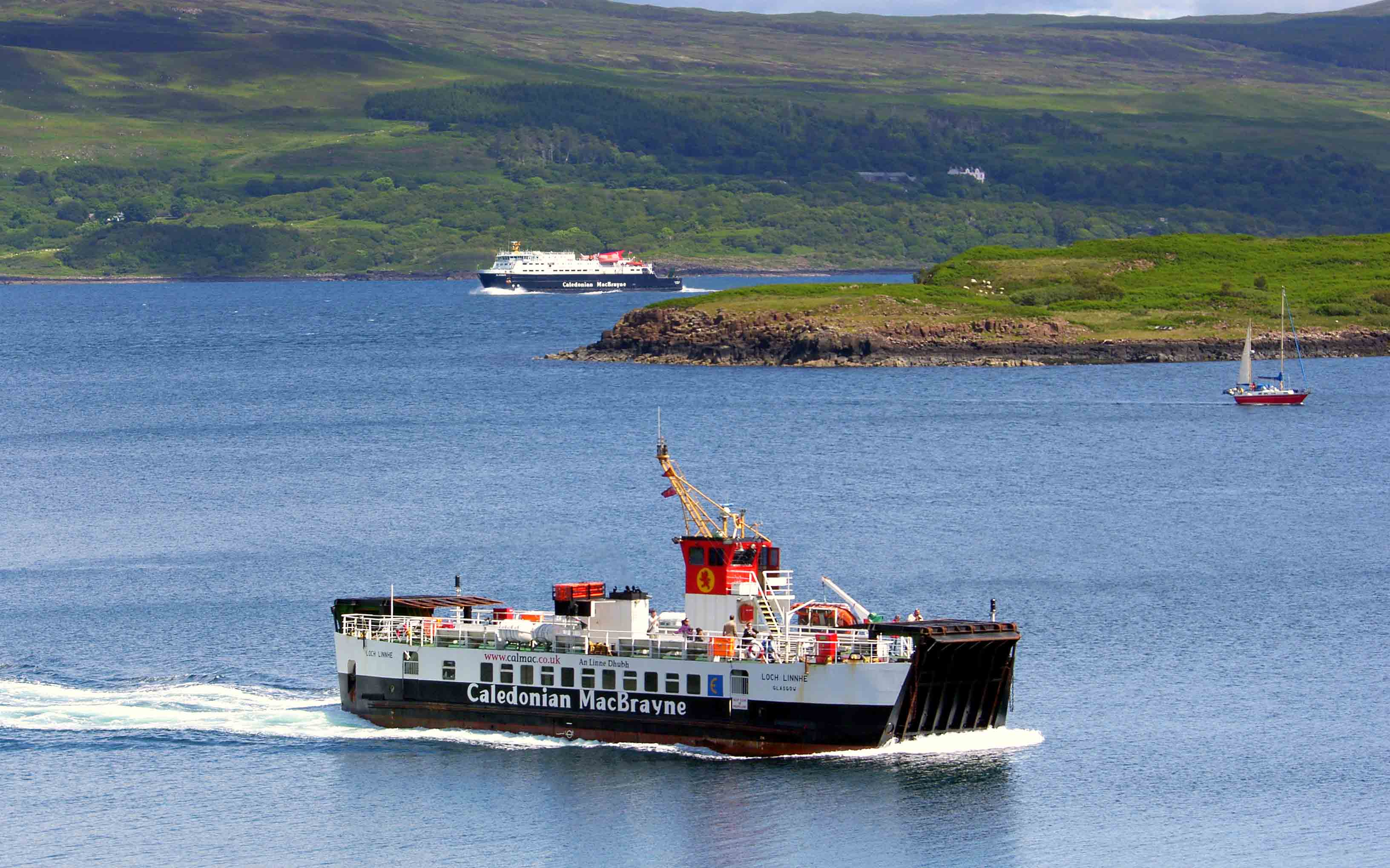 Loch Linnhe approaching Tobermory as Clansman passes by (Ships of CalMac)