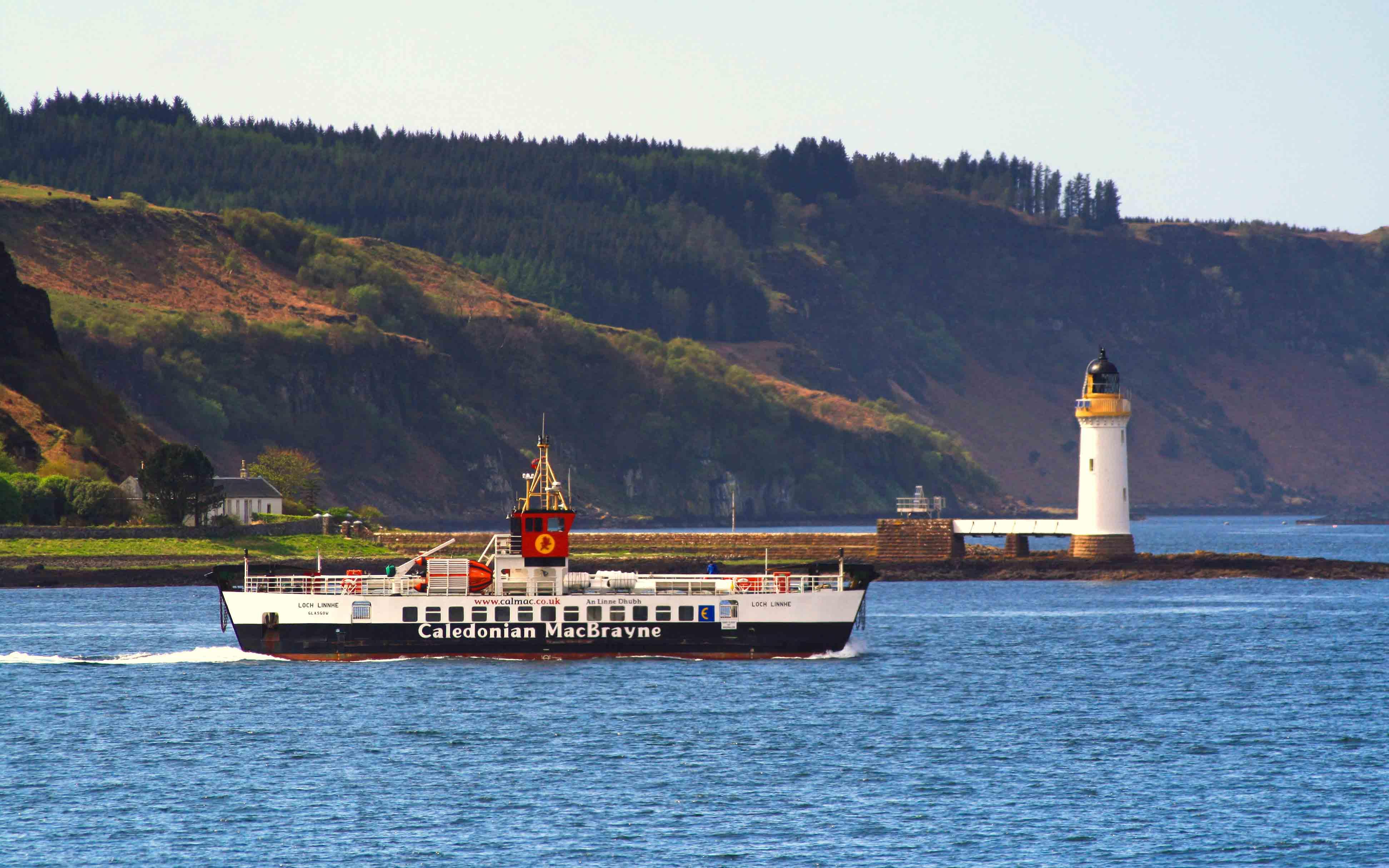 Loch Linnhe passing Rubha nan Gall Lighthouse (Ships of CalMac)
