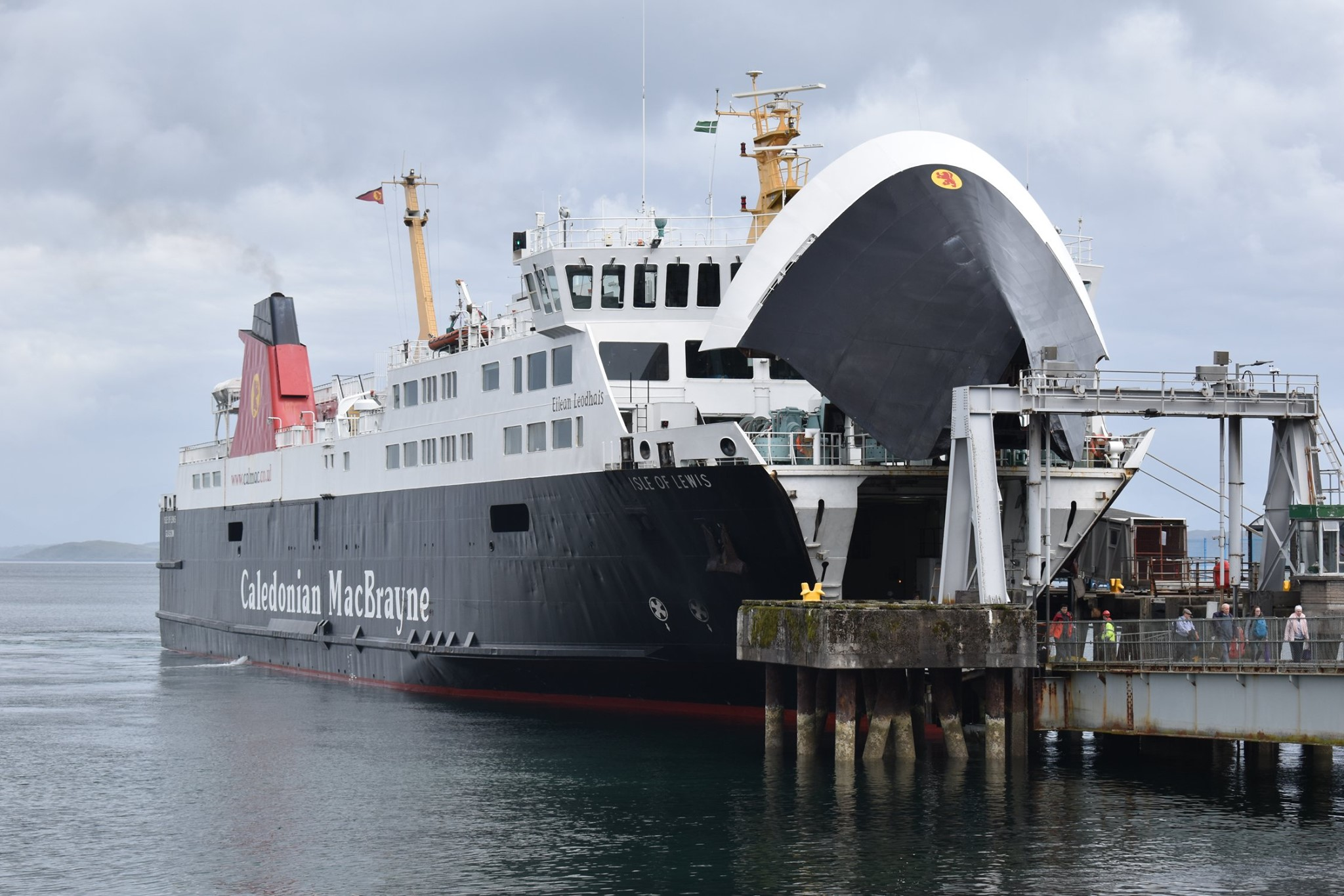 Isle of Lewis loading at Craignure (Cameron Wilson)