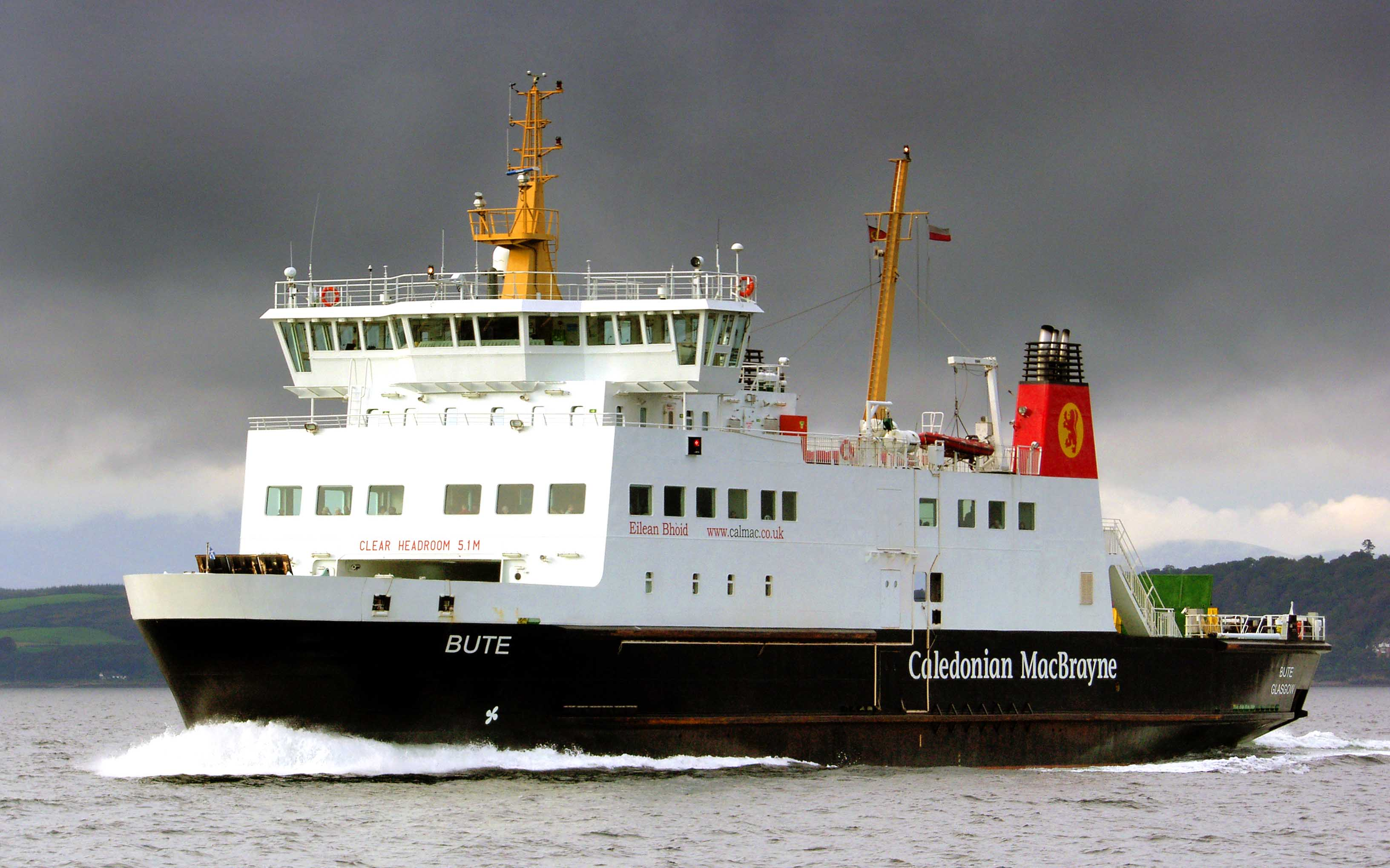 Bute at speed, crossing to Wemyss Bay (Ships of CalMac)