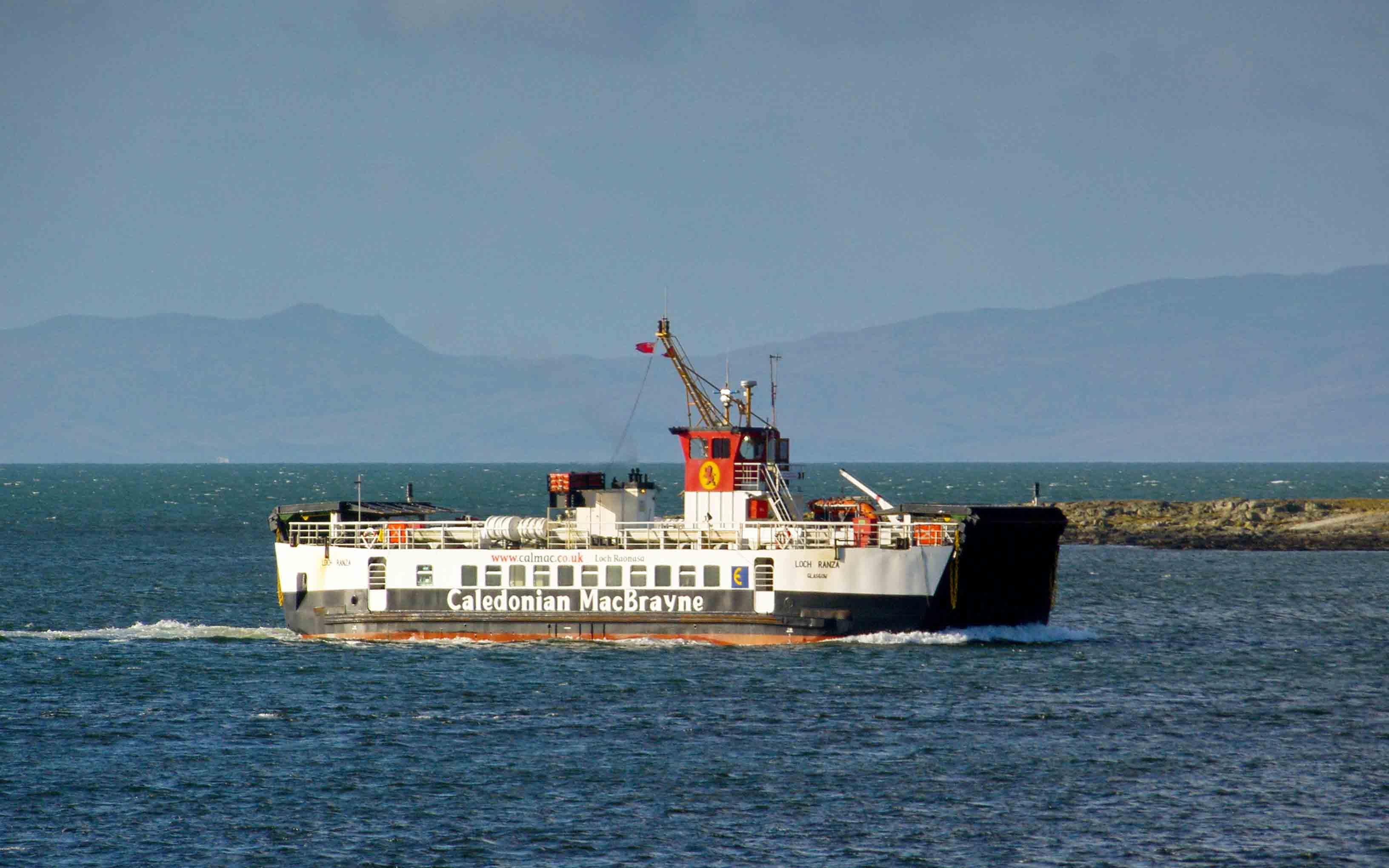 Loch Ranza entering West Loch Tarbert (Ships of CalMac)