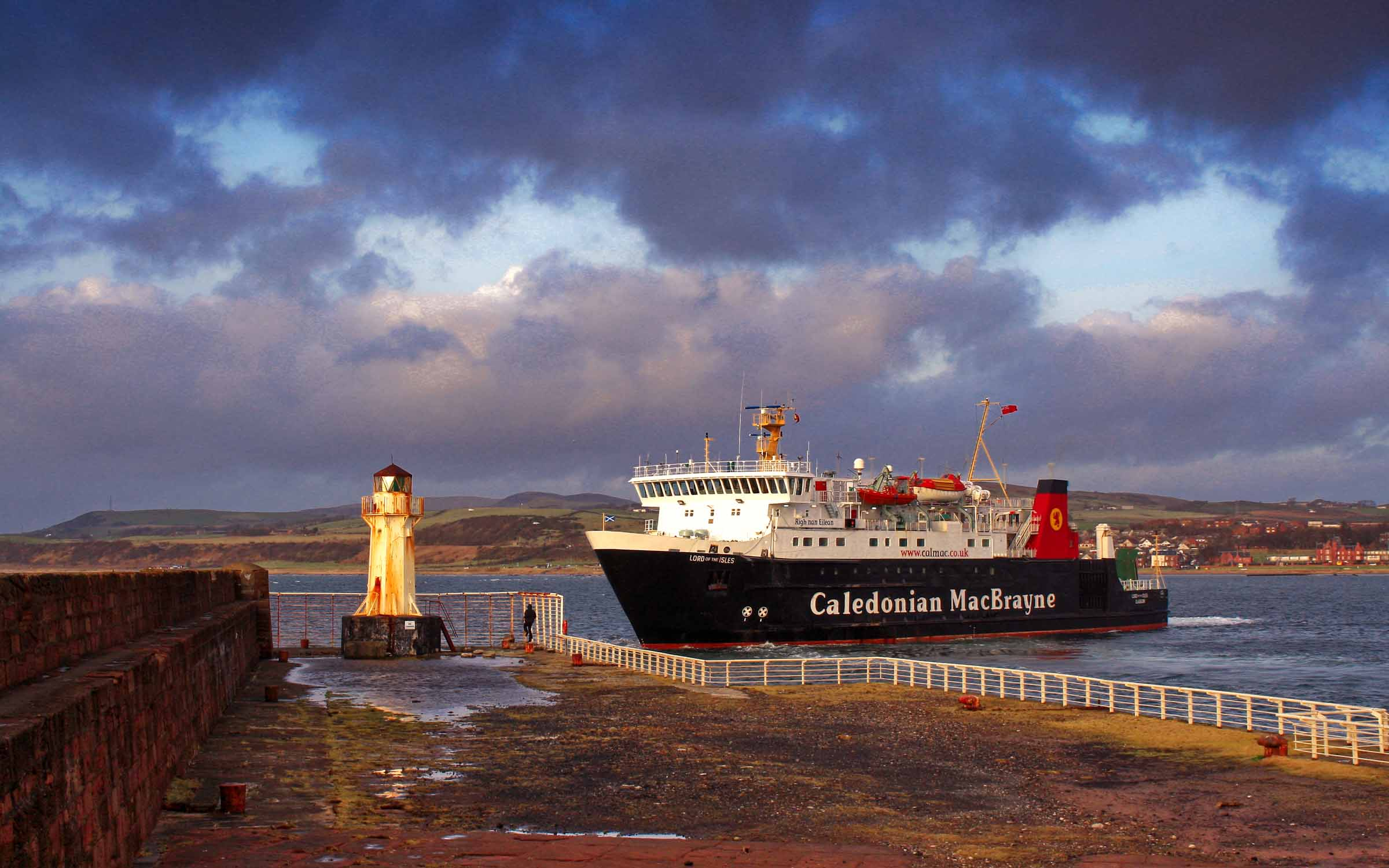 Lord of the Isles leaving Ardrossan (Ships of CalMac)